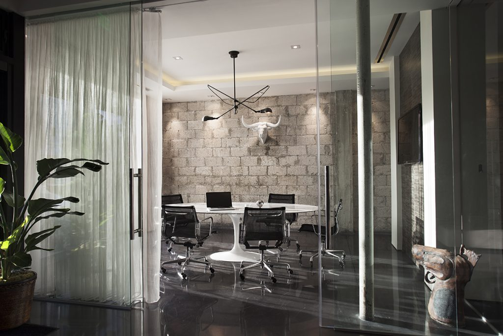 Office glass door Front Increase In The Use Of Sliding Glass Doors As Office Fronts Imt Modular Partitions Increase In The Use Of Sliding Glass Doors As Office Fronts Dash Door